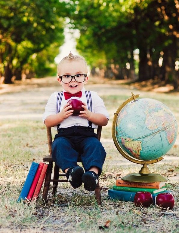 Мальчик учит иностранные языки в центре детского развития Bubu в Севастополе